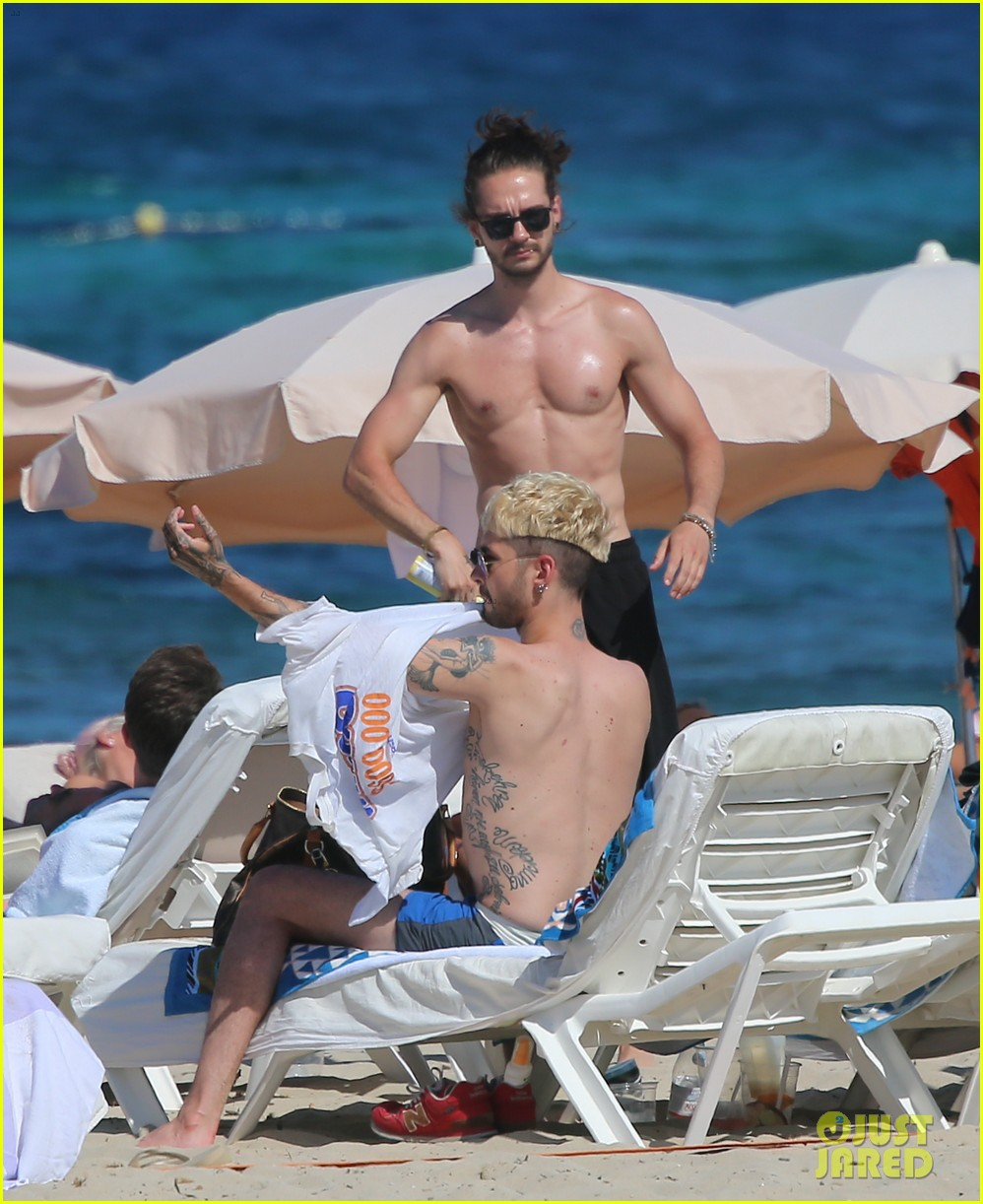 tokio-hotel-tom-bill-kaulitz-go-shirtless-in-ibiza-05