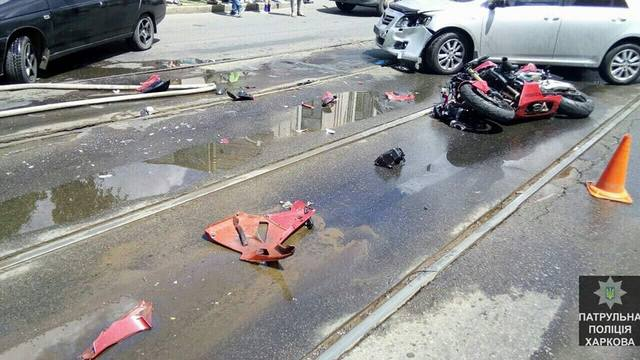 Toyota сбила мотоциклиста: Пострадавший в больнице (ФОТО)