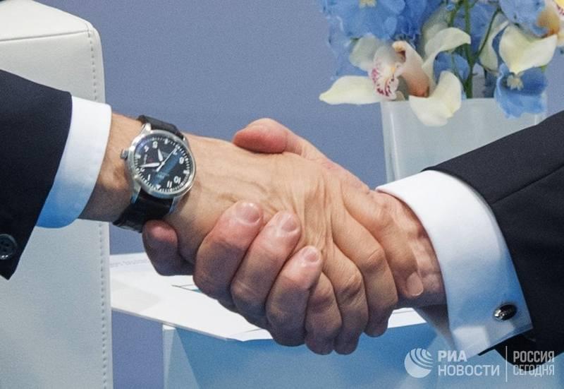 http://images.vfl.ru/ii/1499576583/980d1007/17861568.jpg
