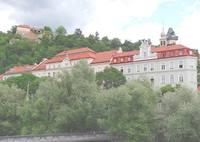 Замок Шлоссберг на горе над рекой. Фото Морошкина В.В.
