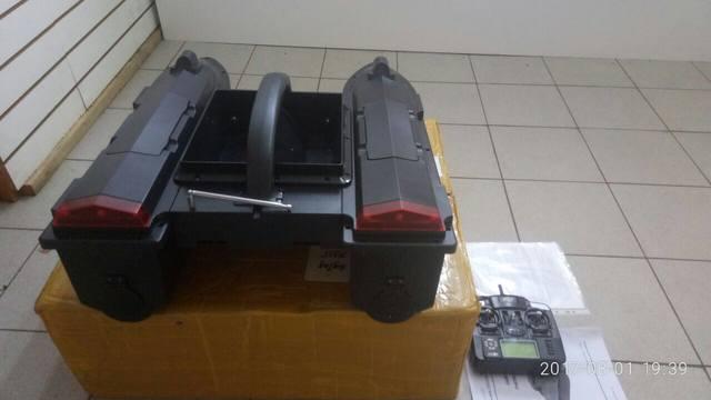 катер для прикормки jabo-2dl-20 с эхолотом