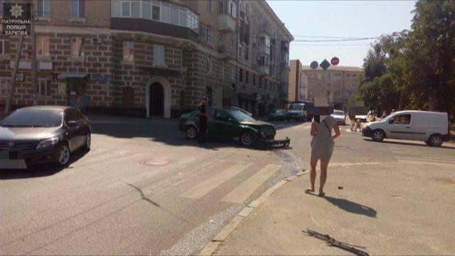 В центре города случилось ДТП: Пострадавшего госпитализировали (ФОТО)