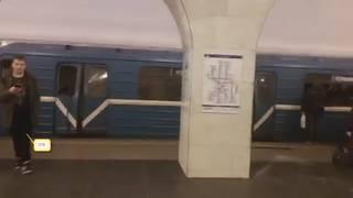 http://images.vfl.ru/ii/1503330540/776756d4/18323441_m.jpg