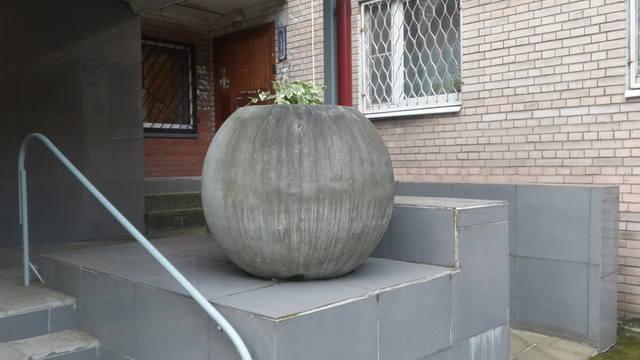 http://images.vfl.ru/ii/1504194271/86df0030/18435649_m.jpg