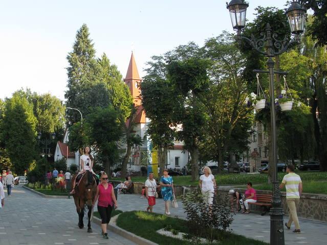 http://images.vfl.ru/ii/1504371040/8803d673/18459123_m.jpg