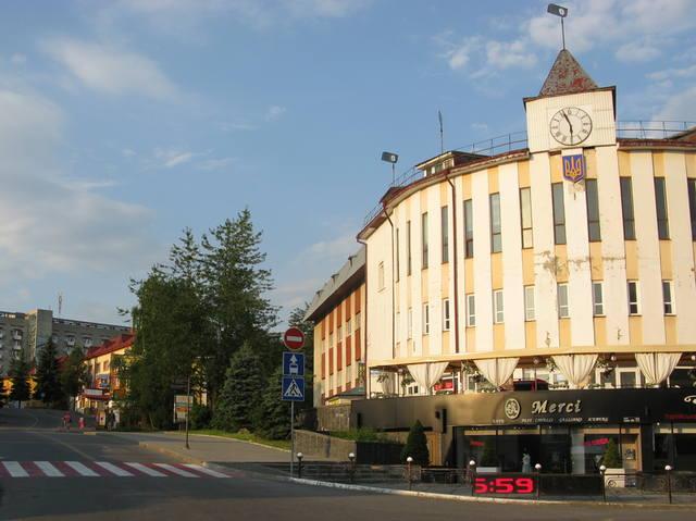 http://images.vfl.ru/ii/1504371045/0480b054/18459141_m.jpg