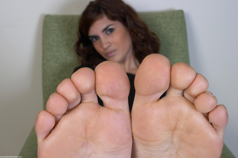 Фото русских девушек раздвигают ноги нашем форуме