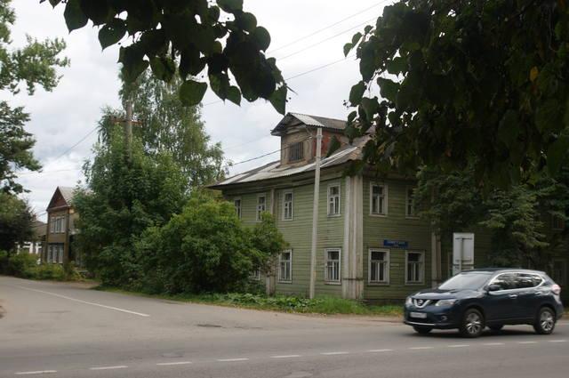 http://images.vfl.ru/ii/1506085173/19ea00ad/18696284_m.jpg