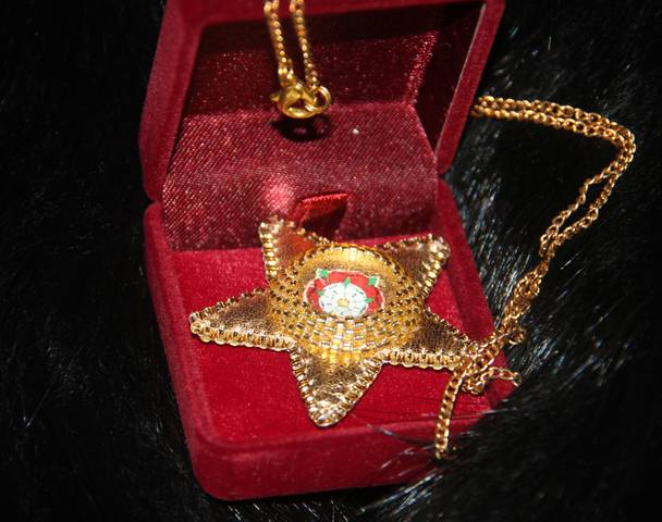 Изделие walkure - золотой кулон в виде звезды