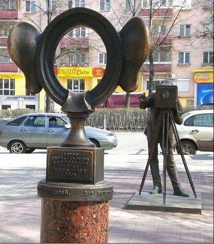 САМЫЕ ОРИГИНАЛЬНЫЕ ПАМЯТНИКИ В РОССИИ