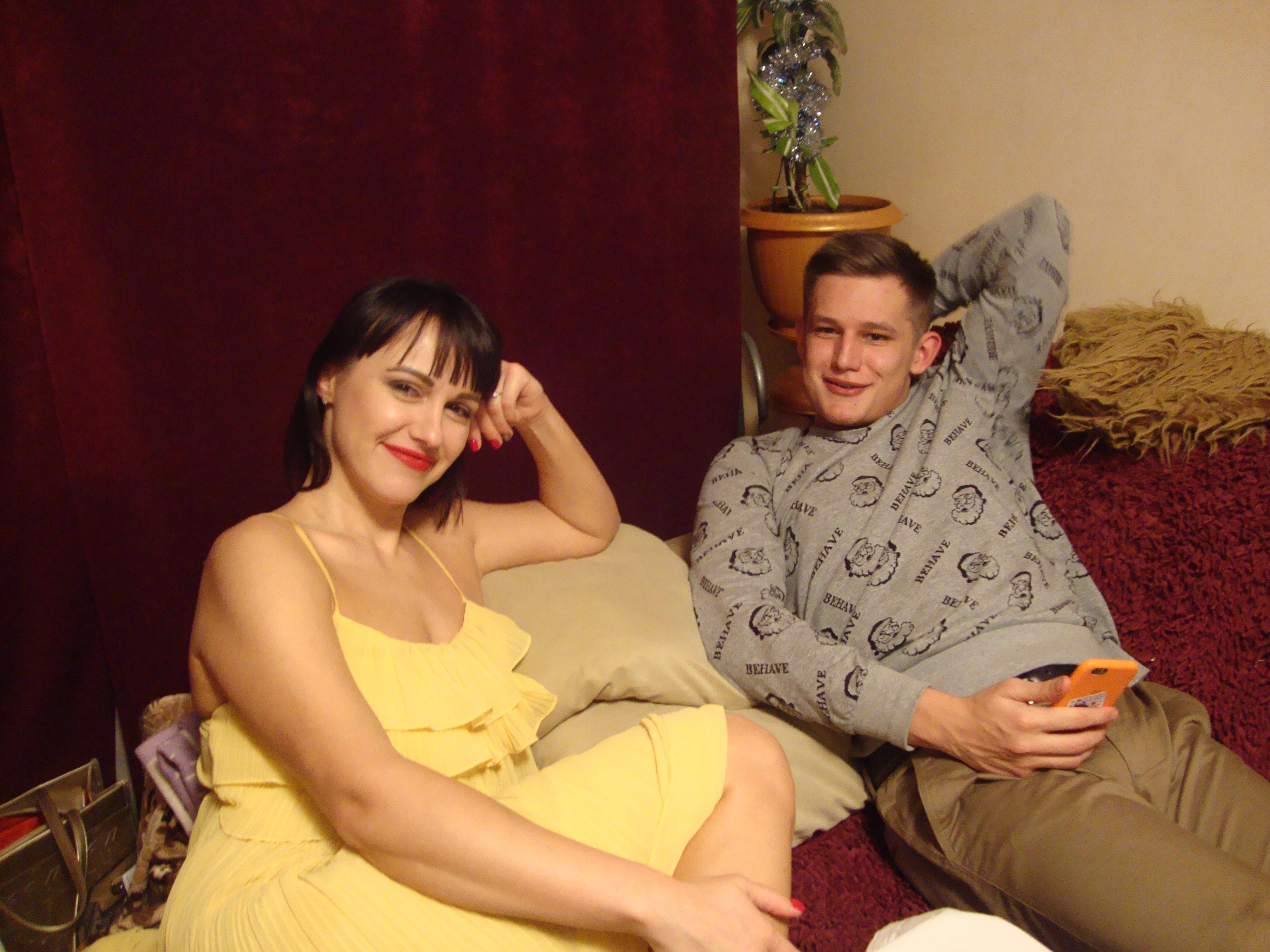 Сын трахается с грудастой мамой, Секс с мамой » Порно мамочки онлайн Full HD 4 фотография