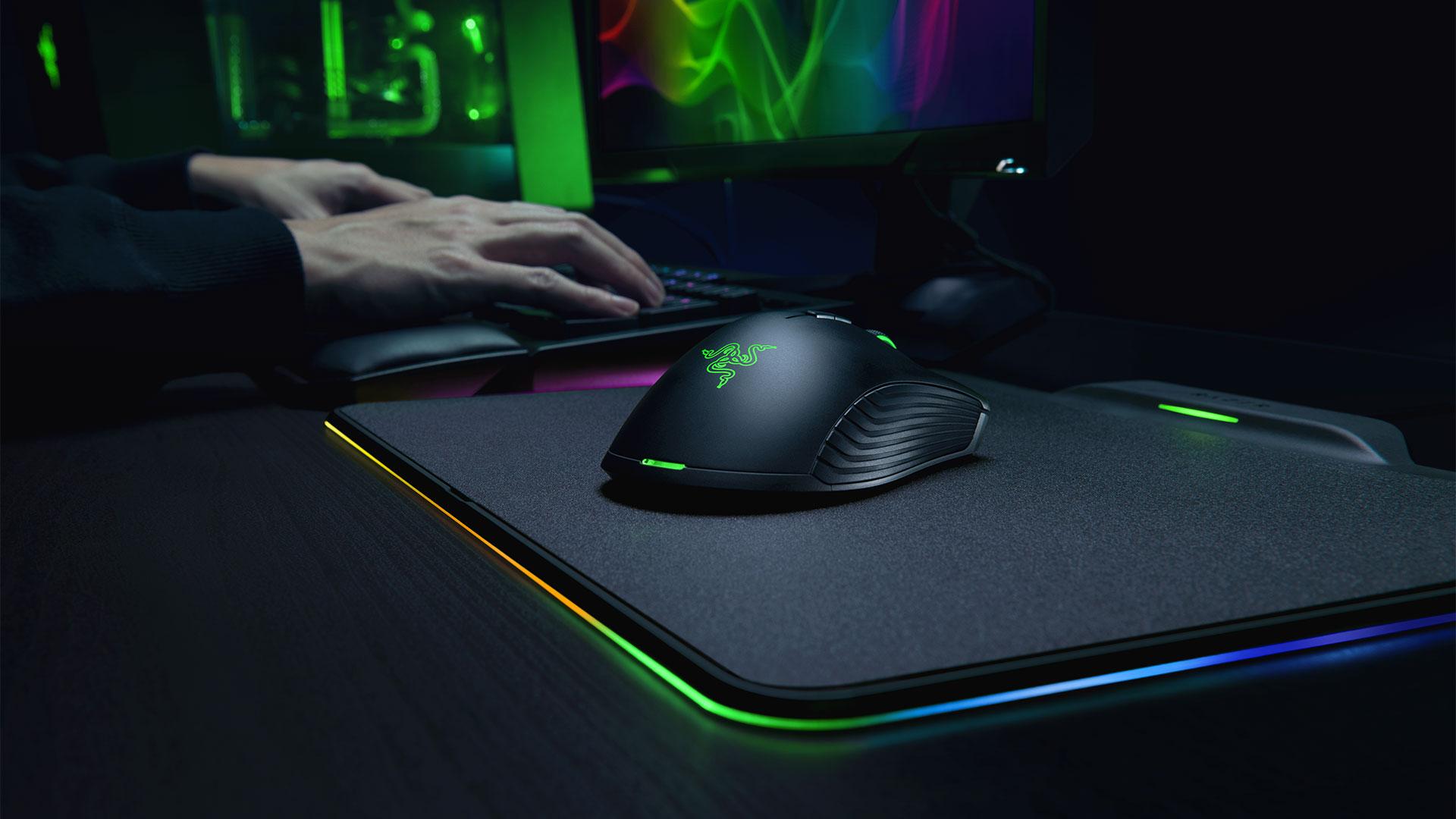 Новая мышь Razer не имеет батареи и заряжается от коврика