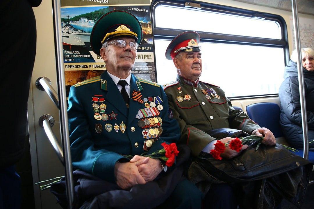Новый тематический поезд запущен на «серой» ветке метро   Изображение 3
