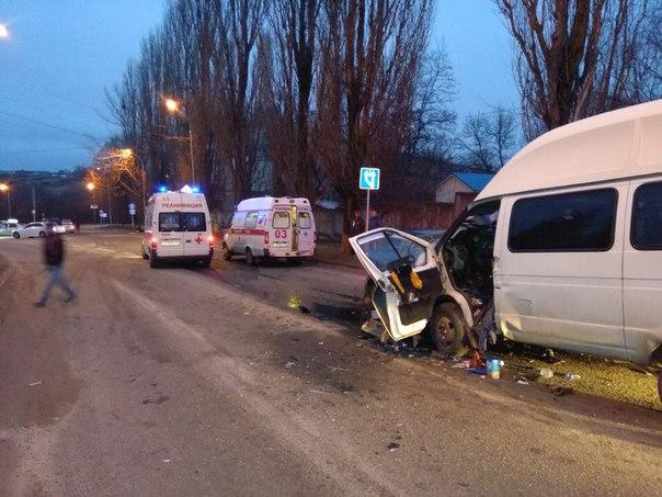 Девять человек пострадали вДТП сучастием маршрутного автобуса наСтаврополье