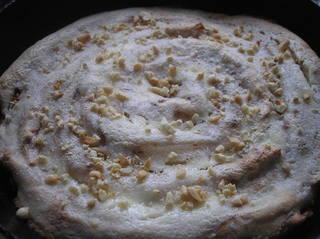 Блинный пирог с творогом, бананами и изюмом