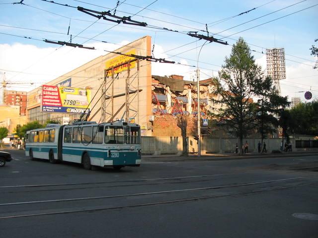 http://images.vfl.ru/ii/1519761304/eb74268a/20759645_m.jpg