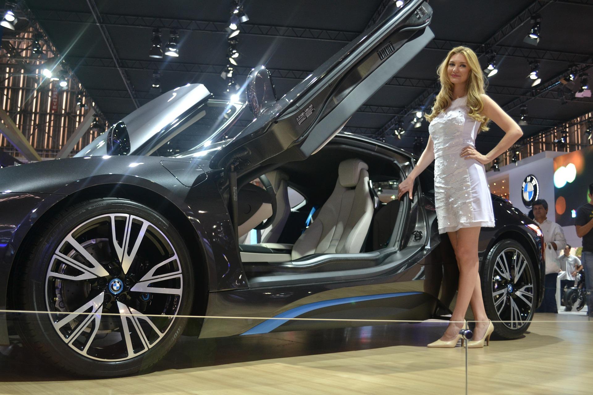 «Времена изменились». К чему приведет отказ автопроизводителей от девушек‐моделей на Женевском автосалоне | Изображение 2