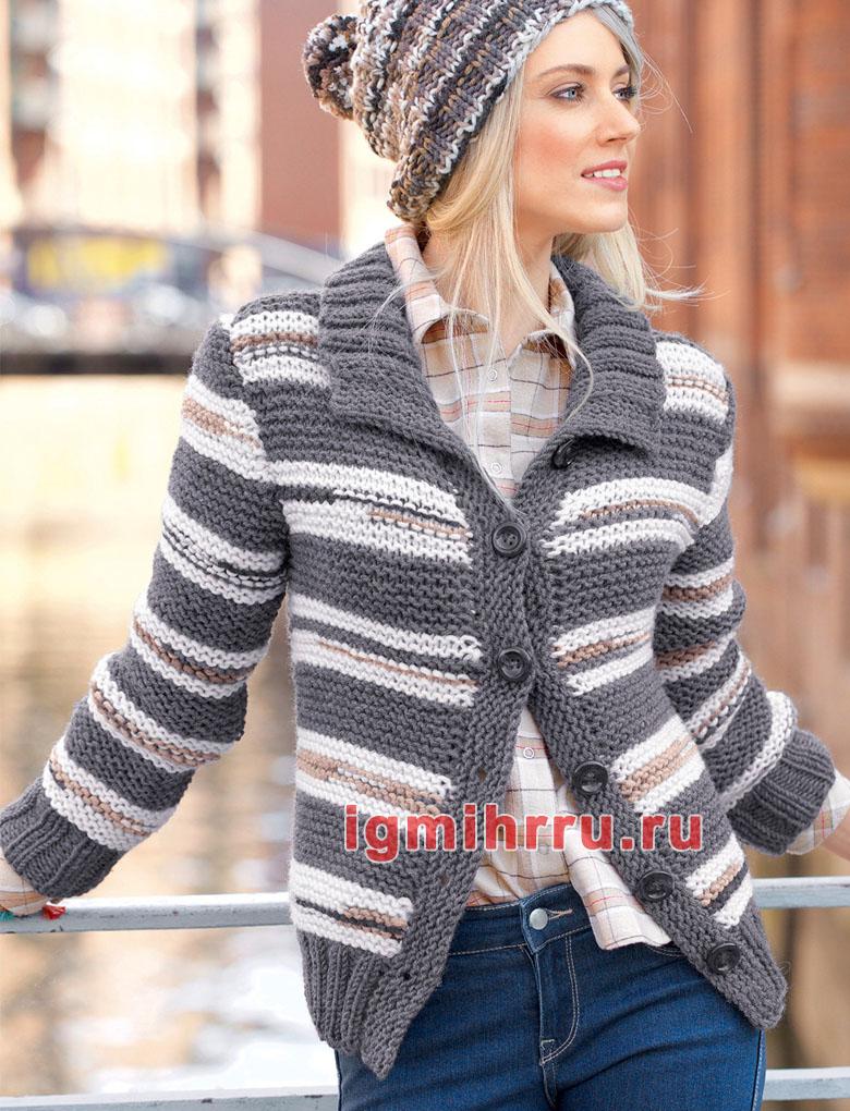 Пуловер из пряжи с меховыми полосками