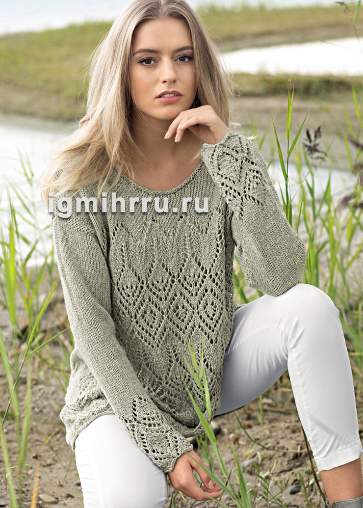 Свободный пуловер с крупными ажурными ромбами. Вязание спицами