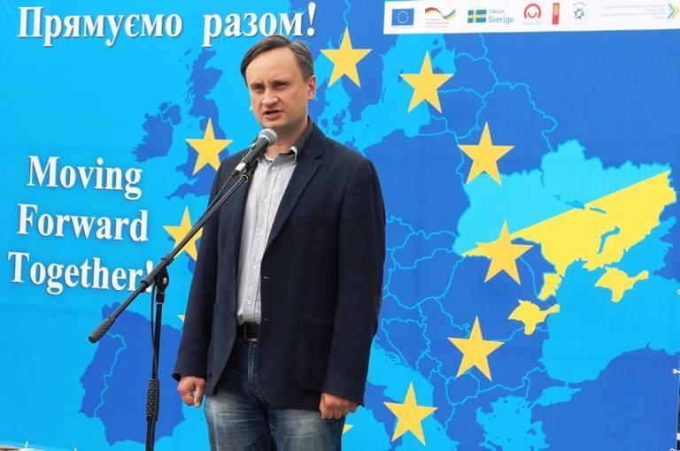 http://images.vfl.ru/ii/1527147262/4b707636/21865202.jpg