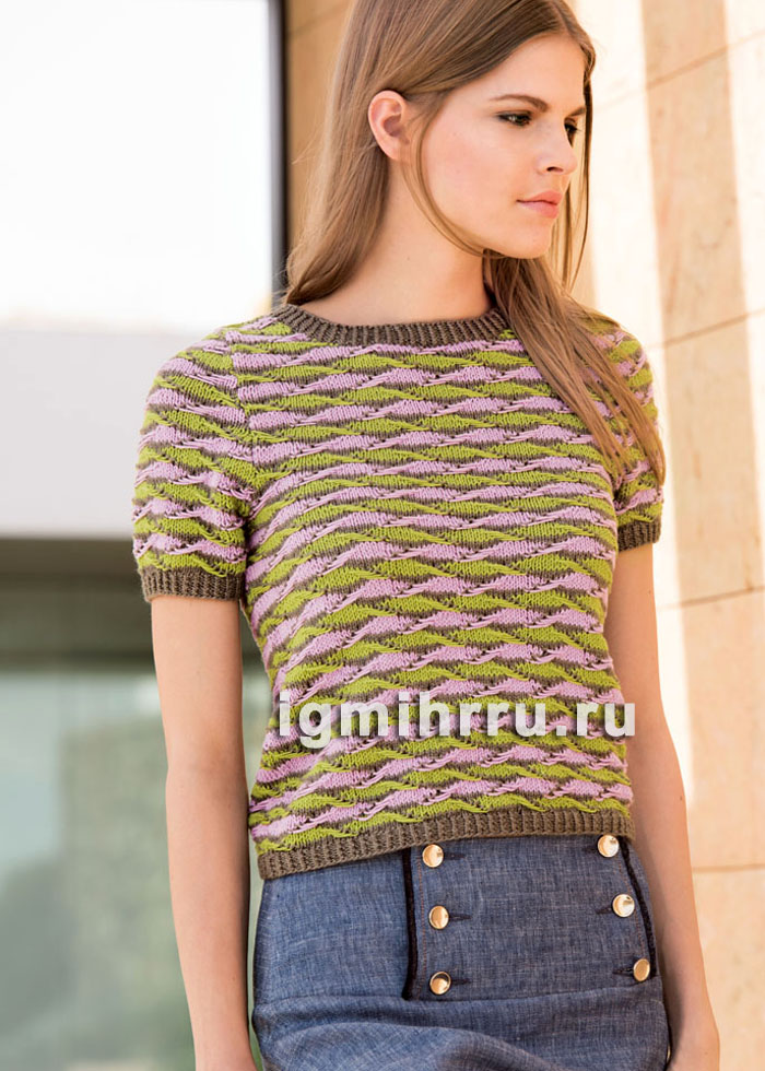 Летний пуловер с узором из фантазийных полос. Вязание спицами
