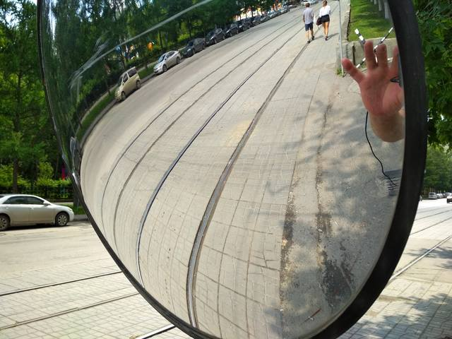 http://images.vfl.ru/ii/1530606403/11d52764/22338586_m.jpg