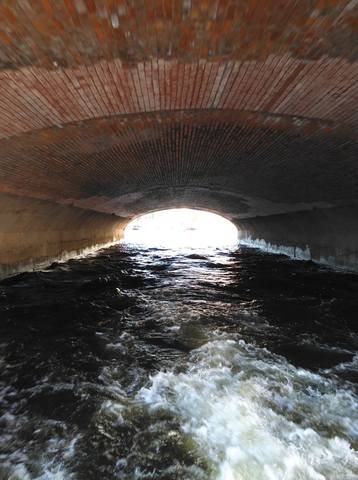 http://images.vfl.ru/ii/1531517254/a27de19a/22475673_m.jpg
