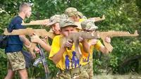 Детский военизированный лагерь «Азовец» под Киевом / Фото: TASS/AP/Efrem Lukatsky