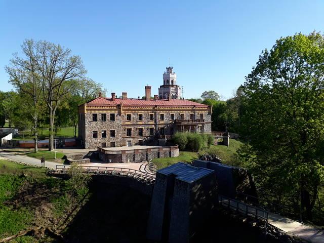 Замки и усадьбы Латвии