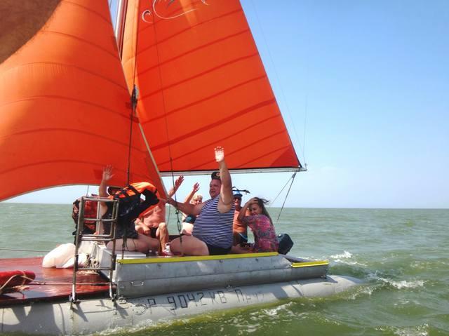 На празднике... Яхта в море, День ВМФ