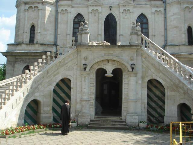 http://images.vfl.ru/ii/1533467891/df1495d2/22767461_m.jpg