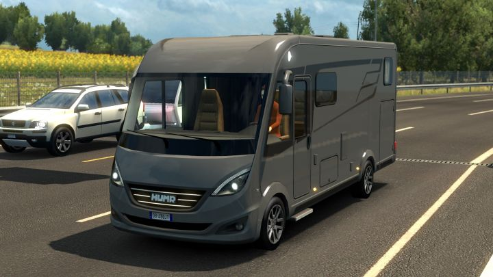 Hymer B-Class SupremeLine in traffic