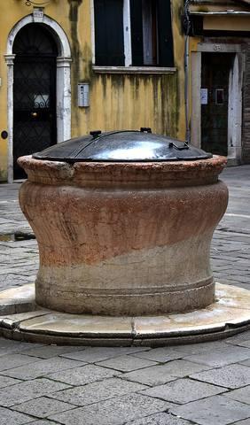 http://images.vfl.ru/ii/1534255243/42e896b2/22889700_m.jpg