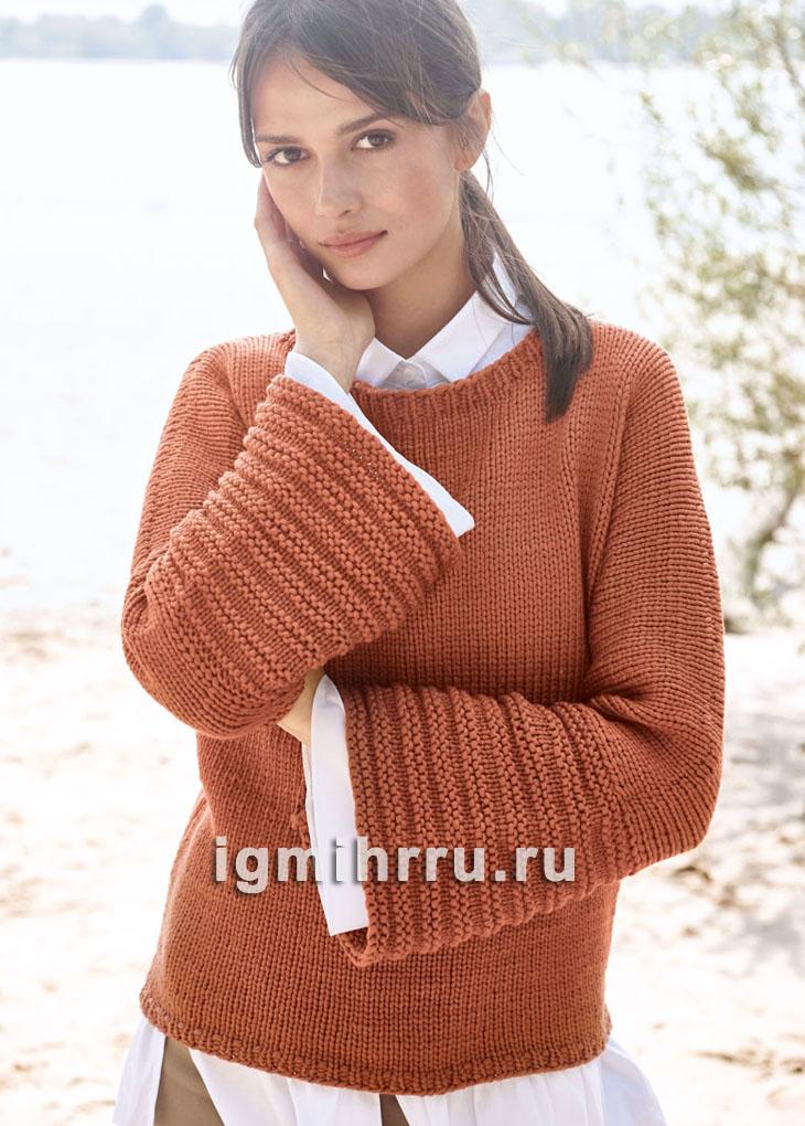 Лаконичный пуловер с цельновязаными рукавами и манжетами-трубами. Вязание спицами