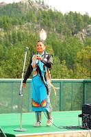 Выступление певицы-индианки в туркомплексе Неистового Коня. Фото Морошкина В.В.