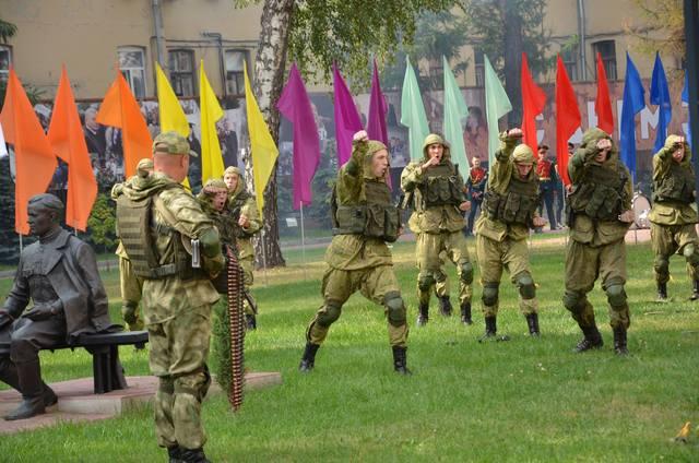 http://images.vfl.ru/ii/1536569411/029cc2ef/23270063_m.jpg