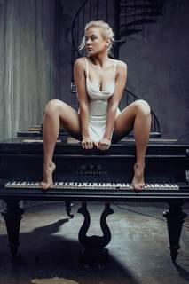 http://images.vfl.ru/ii/1538255427/d909bb48/23567988_m.jpg