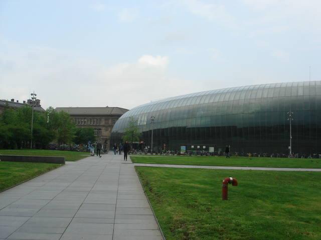http://images.vfl.ru/ii/1538675579/221478c6/23645438_m.jpg