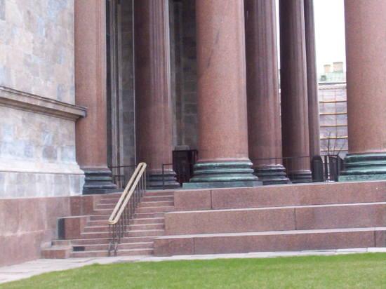 http://images.vfl.ru/ii/1539530407/bb3060e3/23793415_m.jpg