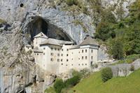 Замок Предъямский Град возле пещеры Постойна Яма. Фото Морошкина В.В.
