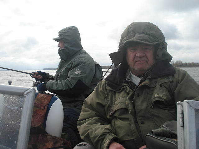 http://images.vfl.ru/ii/1541753449/7ca9638d/24121507_m.jpg