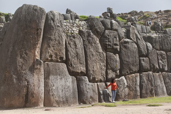 Cusco-Sights-Walls-Sacsayhuaman