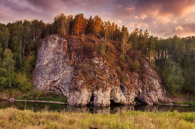 http://images.vfl.ru/ii/1543606208/8059bbe0/24419614_m.jpg