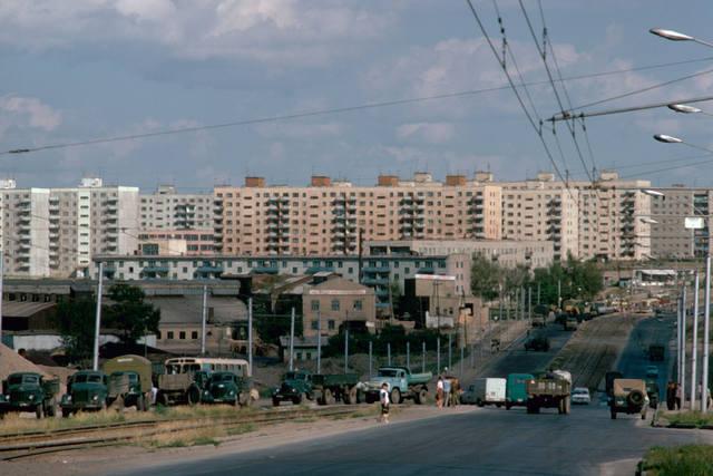 http://images.vfl.ru/ii/1543937696/38e032db/24470790_m.jpg