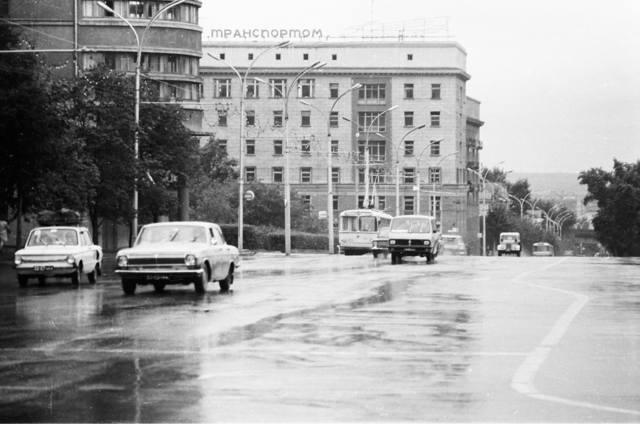 http://images.vfl.ru/ii/1546460316/422dcc10/24801927_m.jpg
