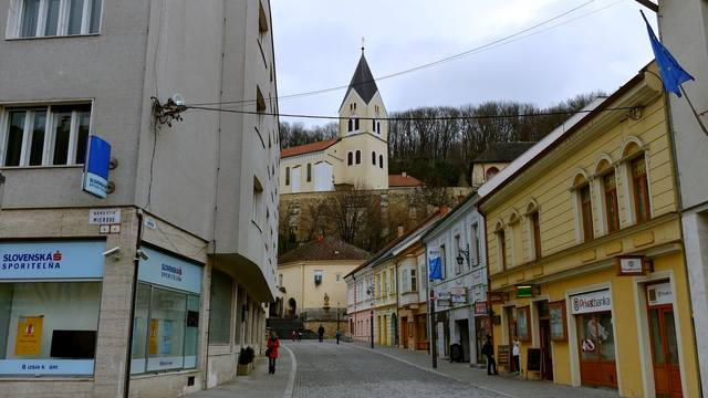 Рай пуст, все бухают в Братиславе. Или Алкогольное безмолвие
