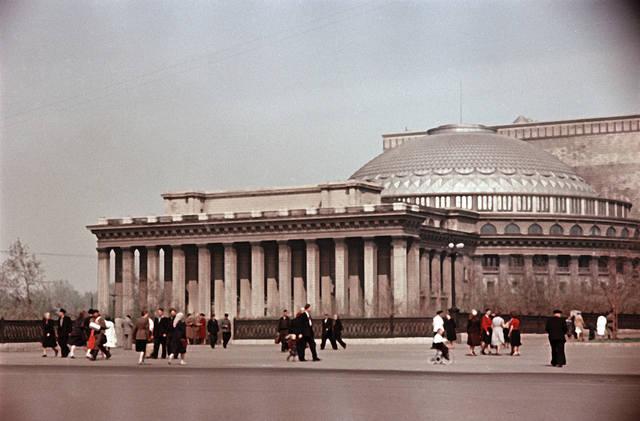 http://images.vfl.ru/ii/1549120894/d96fdc90/25224876_m.jpg