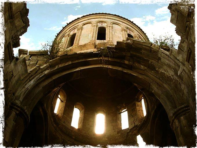 ქართული ეკლესიების ძარცვა