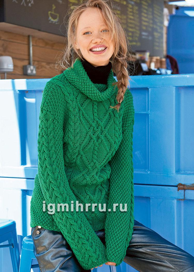 Зеленый чистошерстяной свитер с миксом узоров. Вязание спицами