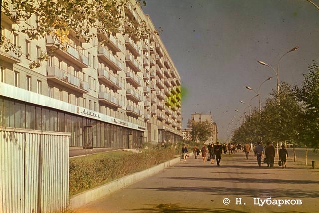 http://images.vfl.ru/ii/1551764239/394660d6/25640358_m.jpg